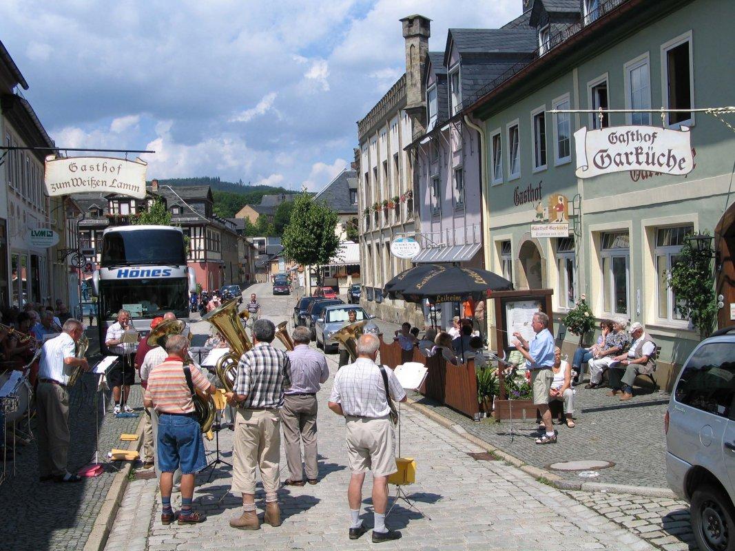 Reisegruppe Bei Bustour Durch Den Thüringer Wald