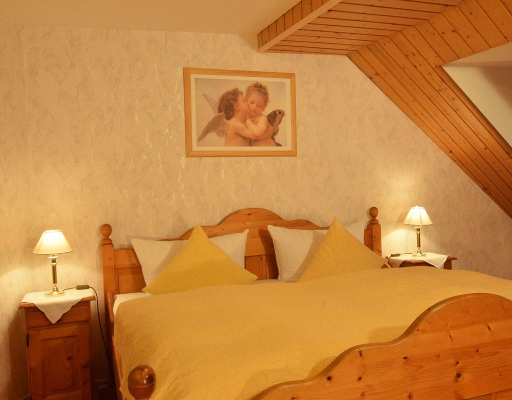 Im Hotel Gibt Es 7 Komfortzimmer