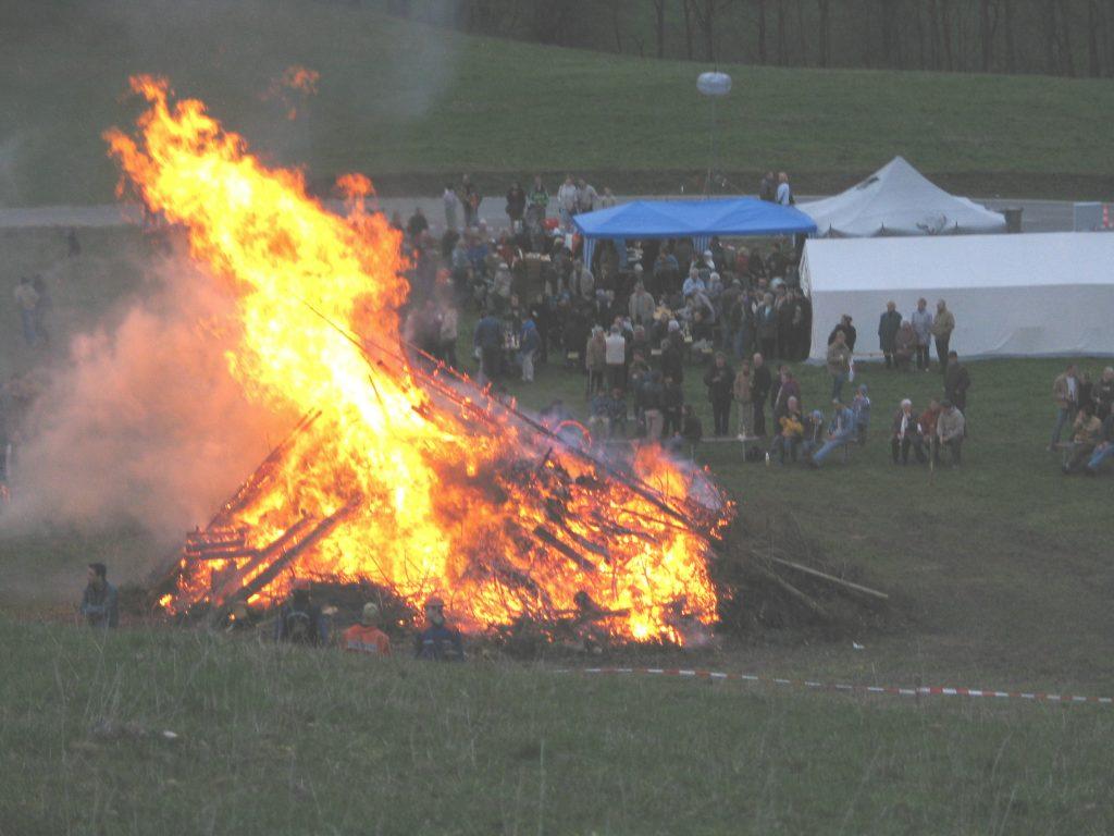 Osterfeuer in Thüringen